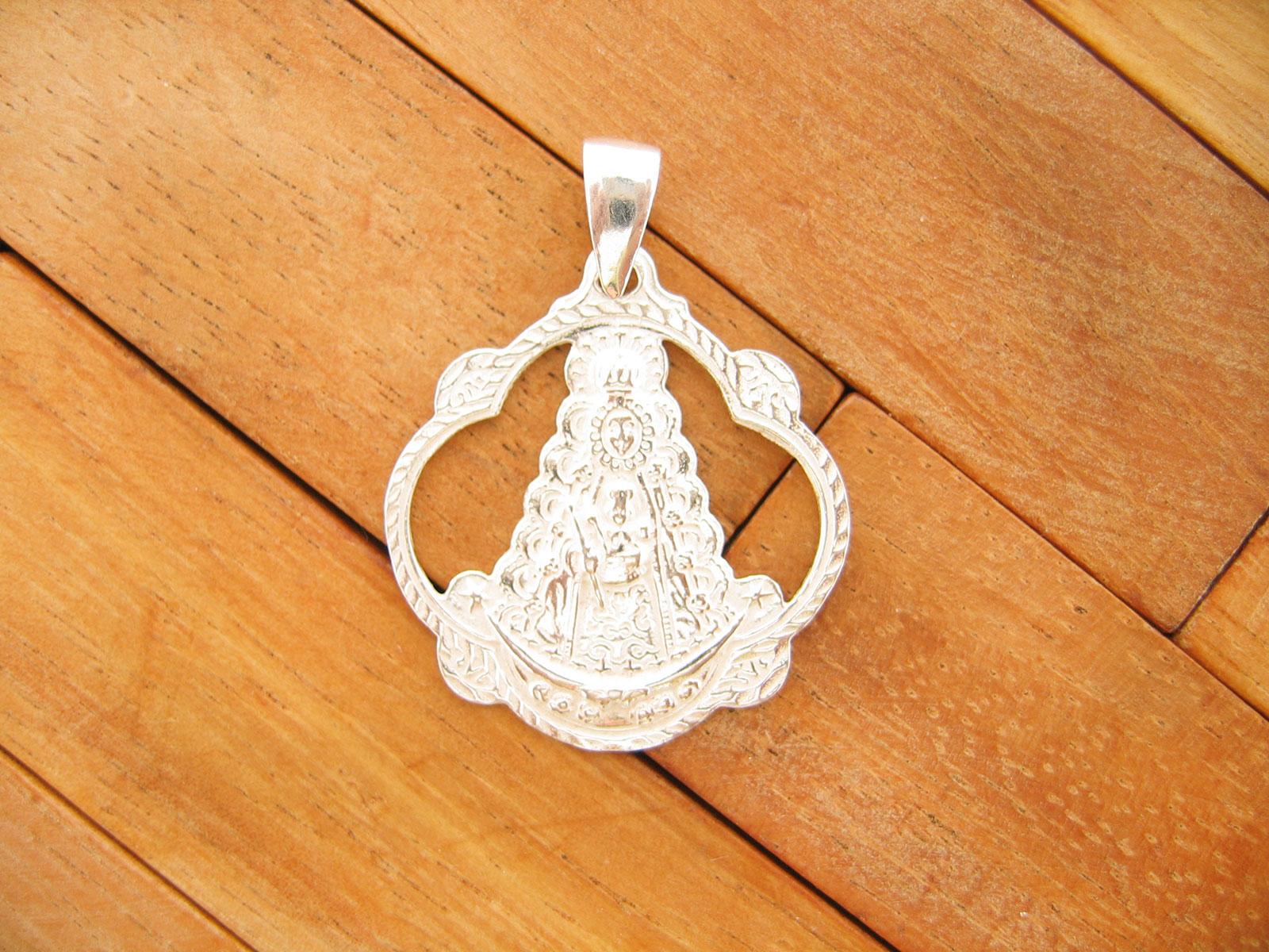 Colgante Medalla Pandereta Calada Virgen del Rocio