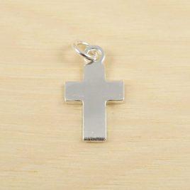 Cruz-plata-cuadrada-1