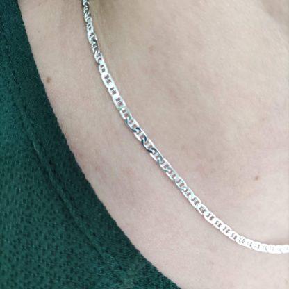 Collar Cadena Fina Travesaño de Plata de Ley 925
